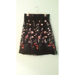 H&M flower embroidery skirt